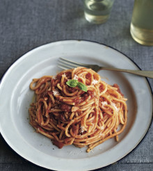 Spaghetti with Easy Tomato Sauce