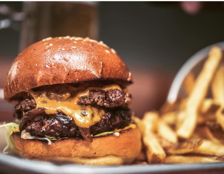 Mac n wild burger